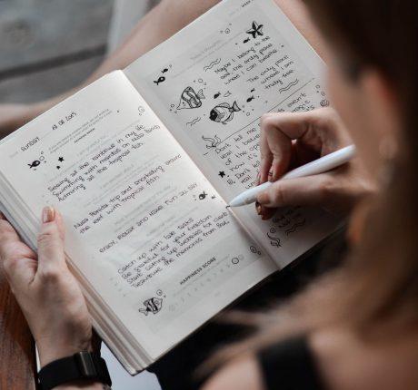 my-life-journal-OnFW5djcAYc-unsplash
